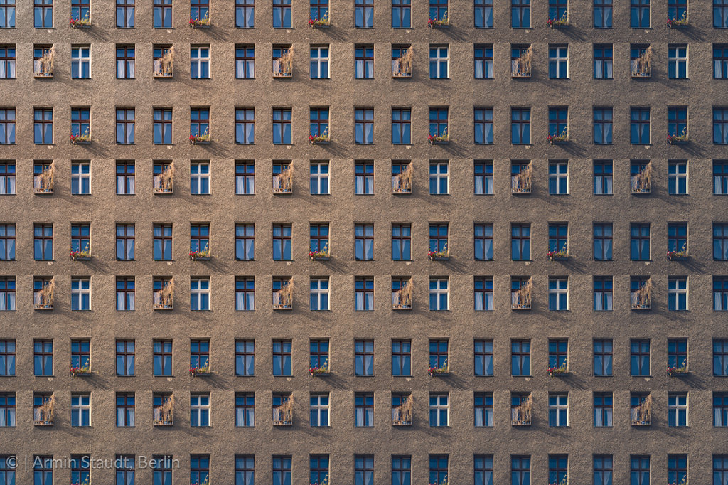 architectural pattern, window facade of an old miserable house